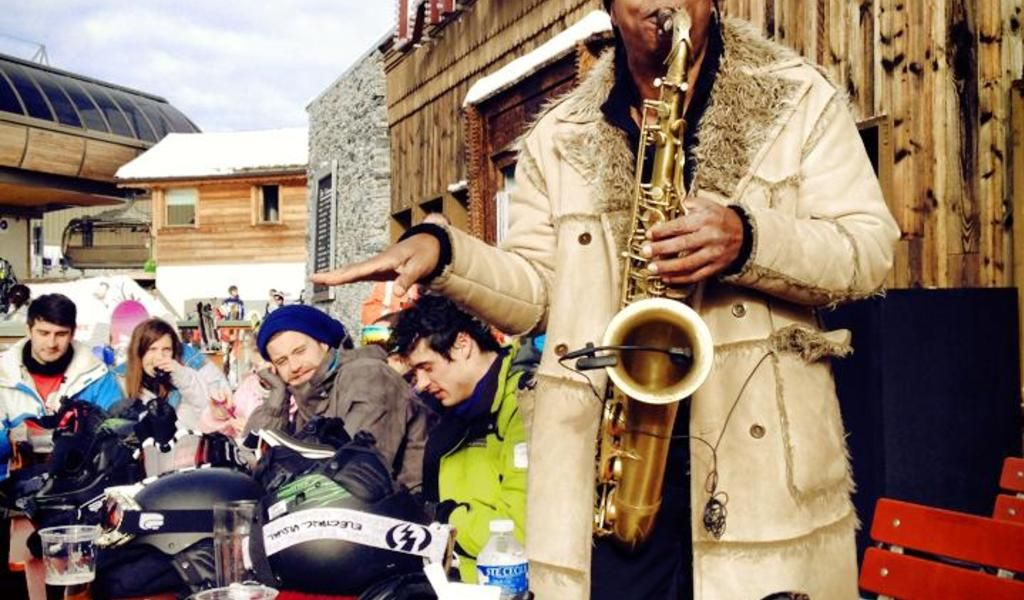 Music madness at the Folie Douce