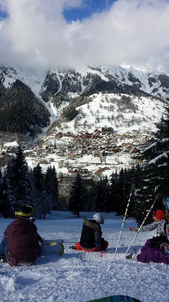 Vaujany from the La Far