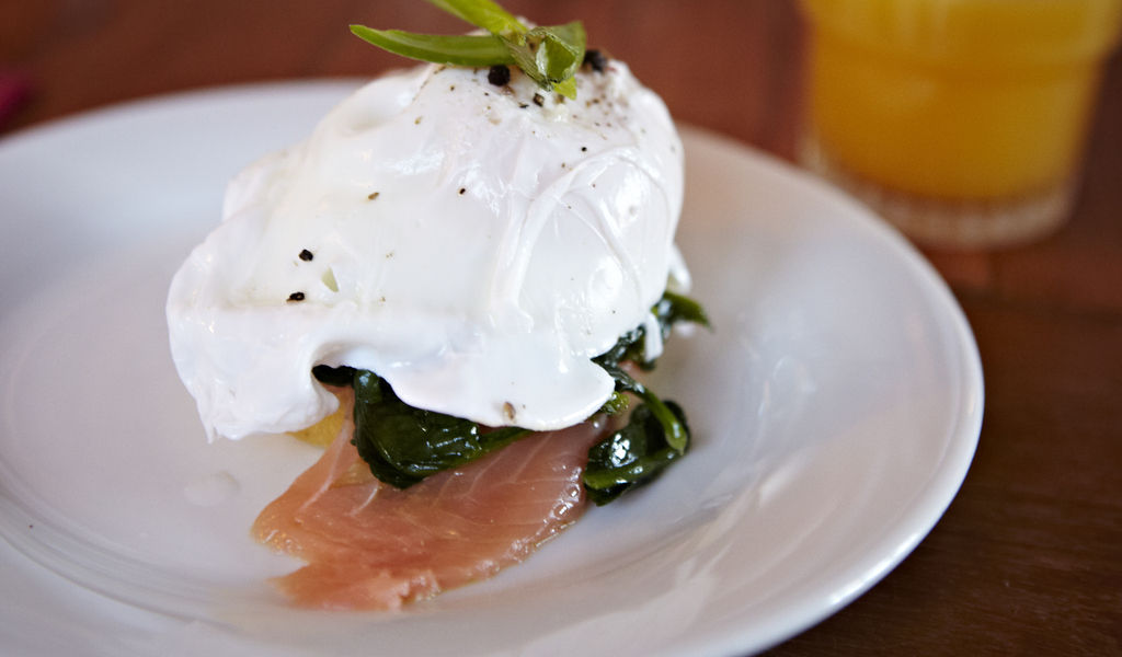 Breakfast special - poached egg, salmon and spinach