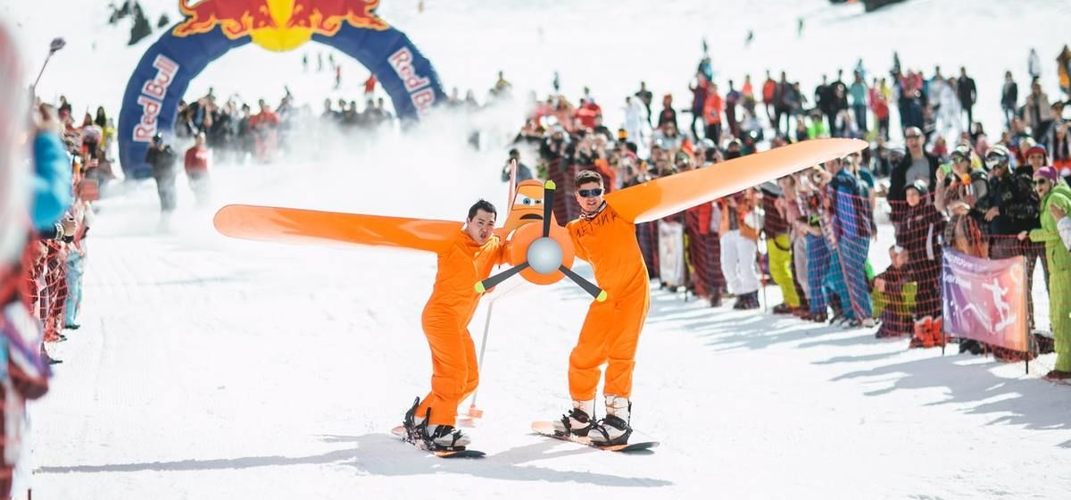 Why Choose A Skiing Holiday For A Student Trip